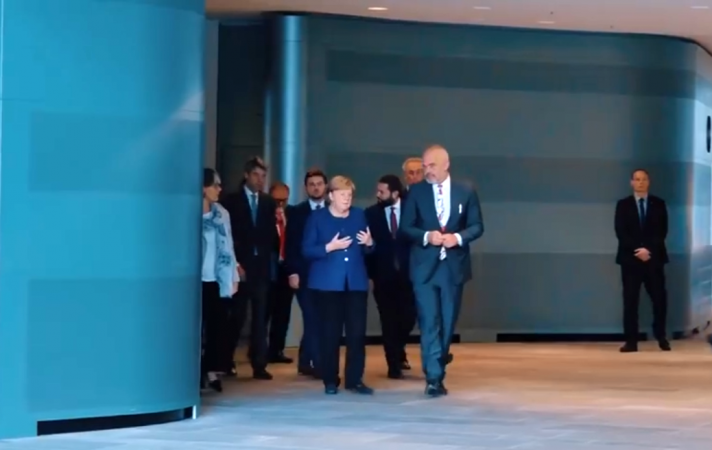 Kryeministri Rama takon kancelaren Merkel në Berlin