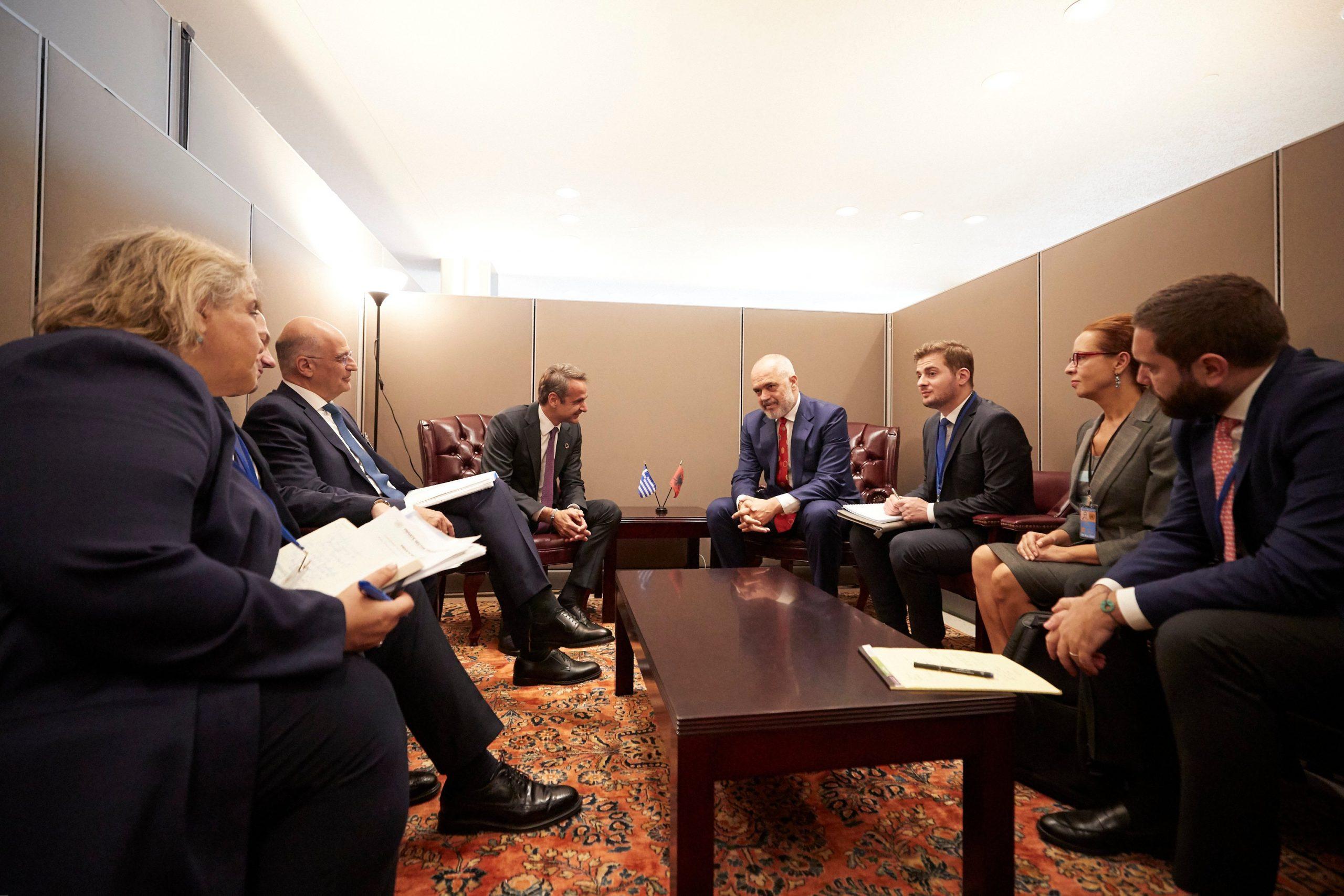 Rama takim me kryeministrin grek Mitsotakis