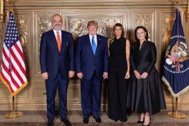 Rama poston foton formale me presidentin Trump në darkën me udhëheqësit botërorë në OKB