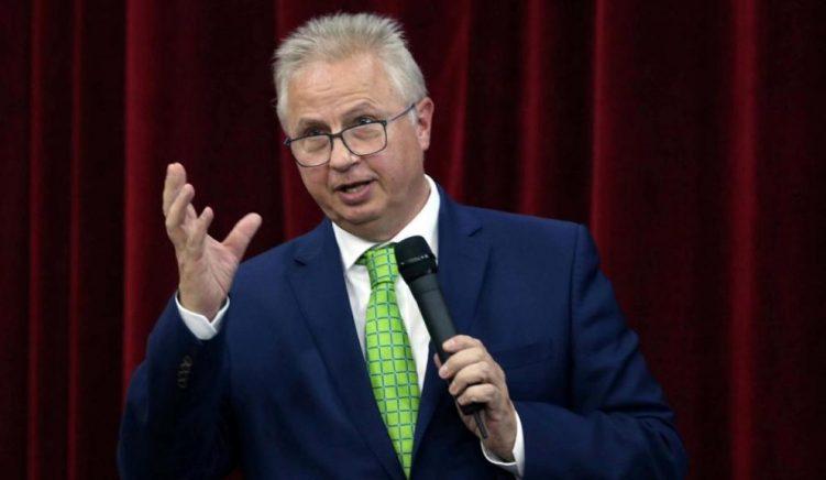 Hungarezi László Trócsányi zëvendëson Hahnin si Eurokomisioner për Zgjerimin