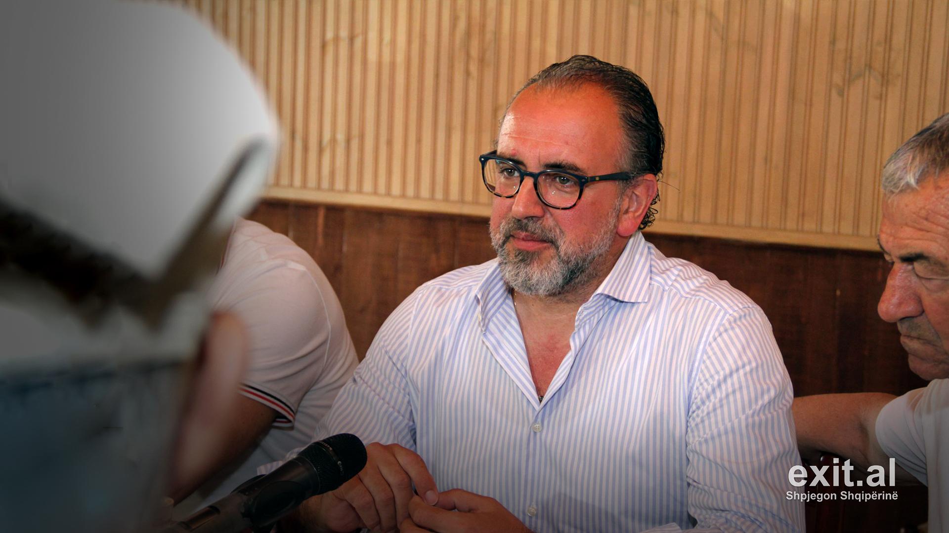 Digjet në mënyrë të dyshimtë makina e kryetarit të Bashkisë Vlorë Dritan Leli