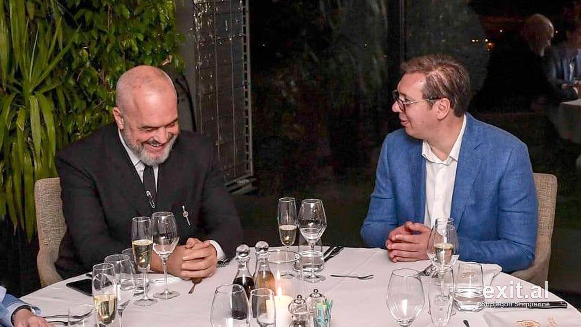 Autokratët Rama dhe Vuçiç si dy pika uji