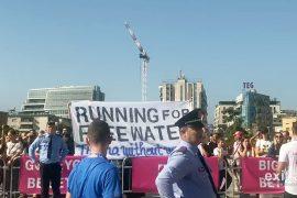 Bashkia e Tiranës kritikohet për bllokimin e rrugëve dhe ndotje të mjedisit