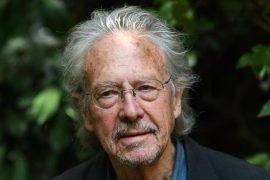 Zemërim mes Ballkanit për dhënien e çmimit Nobel shkrimtarit mohues të gjenocidit