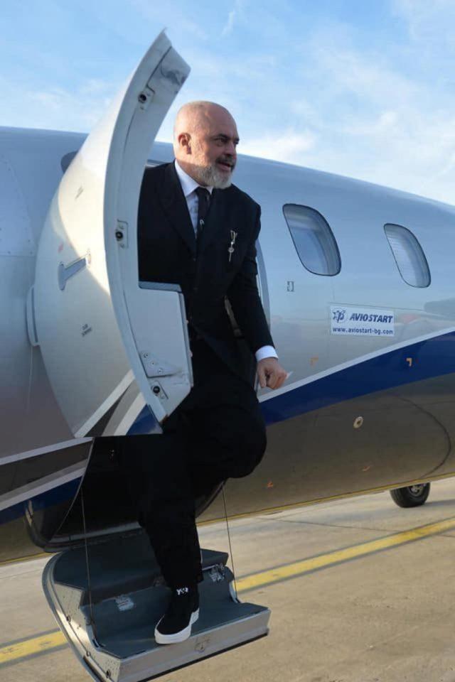 Avionstart: Kostot e udhëtimit të Ramës me avion privat janë 'konfidenciale'