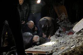 Konfirmohen viktimat e para nga tërmeti