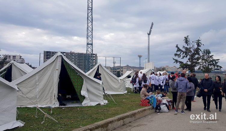 Fotoreportazh nga Durrësi: Mes dëmeve të tërmetit dhe kaosit të pasojave