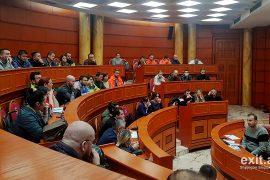 Tiranë, mbi 400 pallate të dëmtuara, 20 të pabanueshme