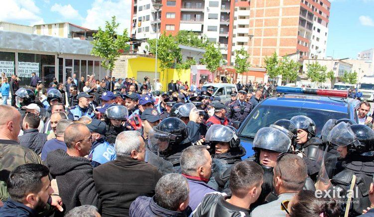9 persona nën hetim për sulmin ndaj policisë dhe punonjësve të IKMT te Unaza e Re