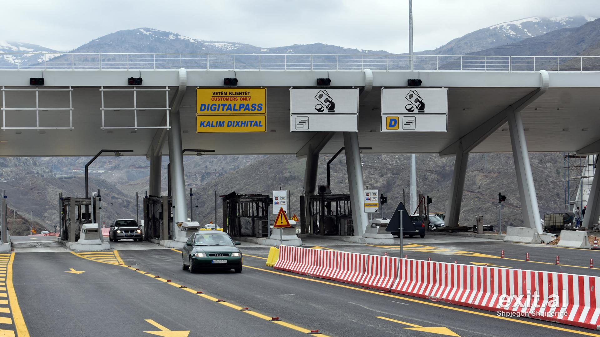 Kosova kërkon pezullimin e tarifës së rrugës së Kombit deri më 15 shtator