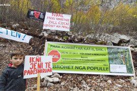 Protesta e Zall-Gjoçajt: HEC-et kapak varri për zonën