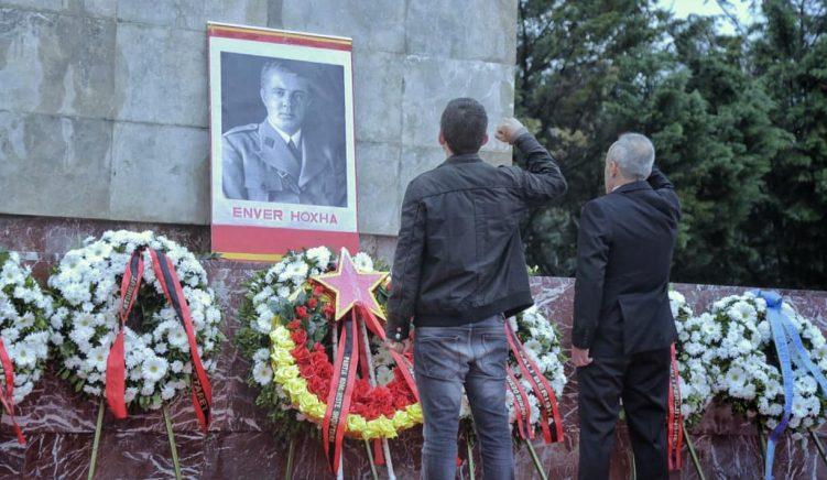 Shqipëria nuk mund të bëjë përpara pa vënë drejtësi për krimet e komunizmit