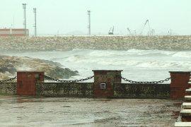 Roja bregdetare e Durrësit shpëton 18 klandestinë, mes tyre 1 fëmijë