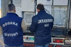 Italia bllokon 25 ton mbetje pajisjesh elektrike me destinacion Shqipërinë