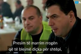 Basha takon një grup punëtorësh në Elbasan