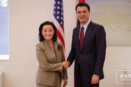 Basha takon ambasadoren Kim: T'u japim shpresë shqiptarëve