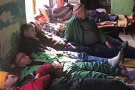 Vazhdon greva e urisë në Poçem, rëndohet gjendja shëndetësore e punëtorëve