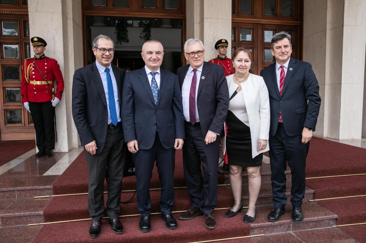 Meta takon delegacionin e KiE: Votimet një-partiake zhytën më shumë vendin në krizë