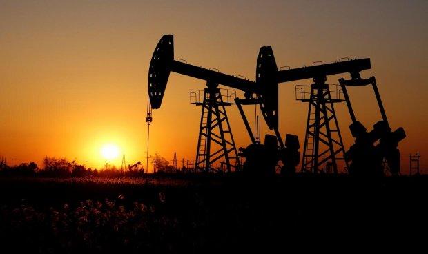 Çmimi i naftës zbret në nivelin në më të ulët në histori, në tregun ndërkombëtar