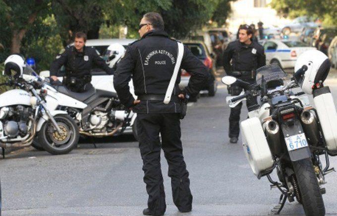 Greqi, goditet banda që i shiste pasaporta false kriminelëve shqiptarë