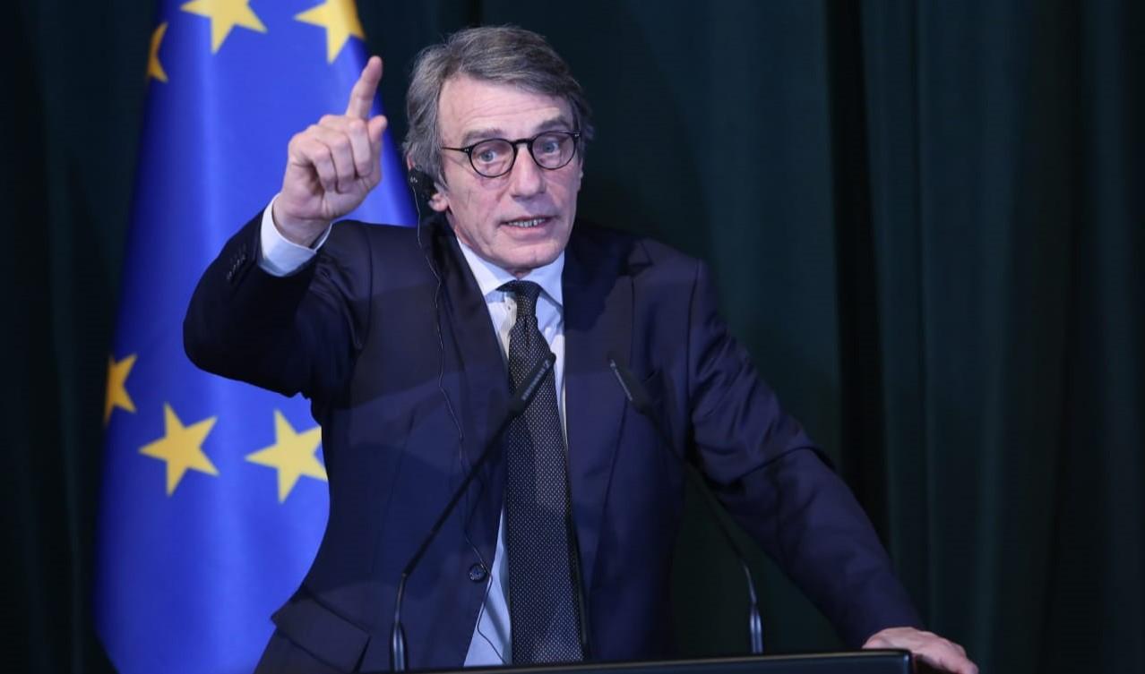 Presidenti i PE Sassoli: Mbështes hapjen e negociatave, punoni për të bindur vendet kundër