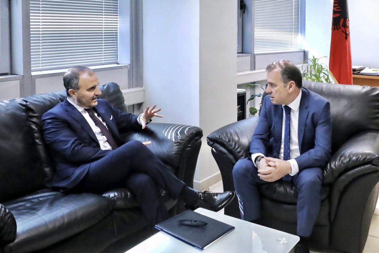 Ambasadorët Soreca dhe Kim mesazhe të koordinuara mbështetjeje SPAK-ut