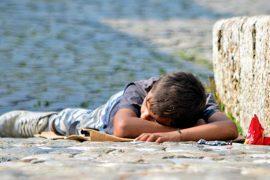Raporti i BE-së: Shqipëria nuk u garanton të drejtat grave, fëmijëve dhe migrantëve