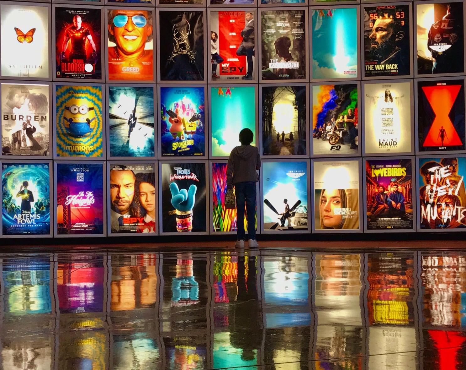 Këshillat e Anxhelës për filmat që mund të shihni gjatë karantinës
