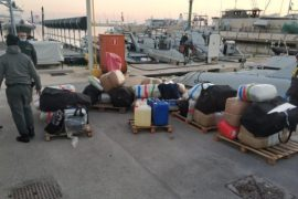 Itali, kapen 900 kilogramë drogë në portin e Barit