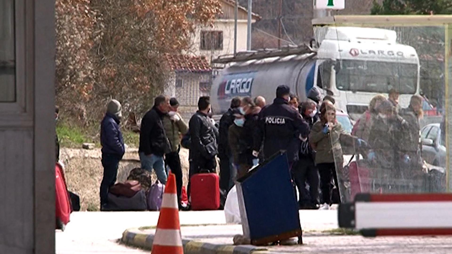 Vazhdon trafikimi i qenieve njerëzore: Korçë-Tiranë-Shkodër, rruga e re e trafikut