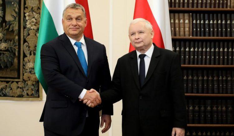 Qeveritë në Hungari dhe Poloni po përdorin epideminë për të forcuar pushtetin e tyre