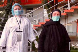 84-vjeçarja lë spitalin, ndër më të moshuarat e shëruar nga Covid-19 në Shqiperi
