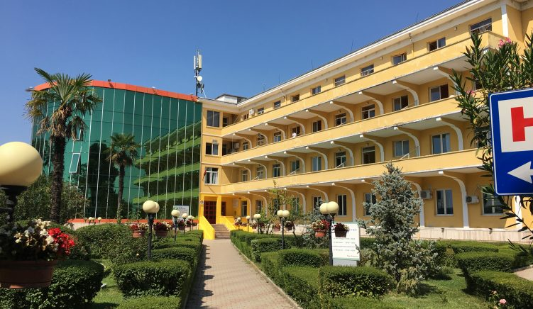 Apeli liron nga burgu dy nga infermieret e Shefqet Ndroqit