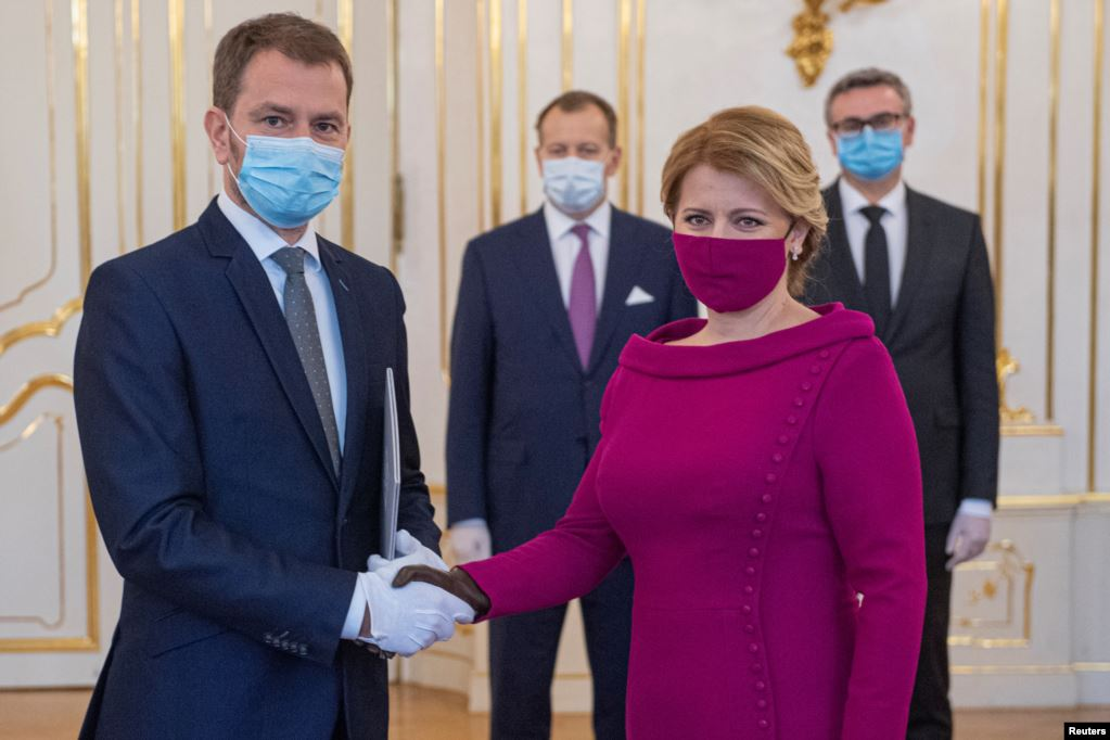 Foto-lajm: Moda e sapolindur e maskave