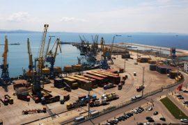 Në kulmin e krizës, qeveria investon €5,5 milionë për rrugën për oligarkët e karburanteve