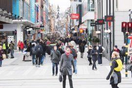Si po sfidon Suedia koronavirusin duke mos zbatuar asnjë prej masave të izolimit