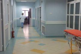 Një mjek, një infermier dhe një polic në Elbasan infektohen me Covid-19
