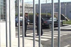 Një 51 vjeçar vetvritet në burgun e Fierit