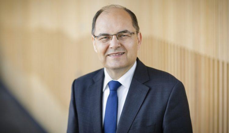 Raportuesi i CDU/CSU për Shqipërinë, Schmidt: Procedura për shembjen e Teatrit ngre pikëpyetje