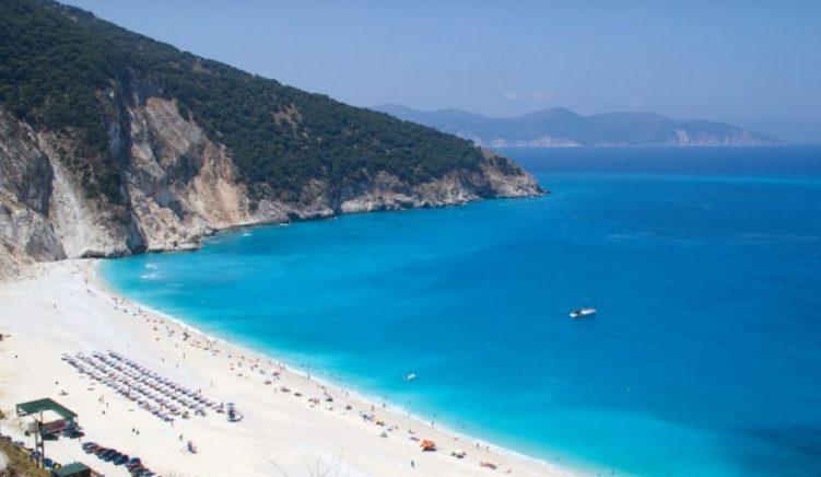 Greqia nis sezonin veror më 15 qershor: Hiqet karantina e detyruar