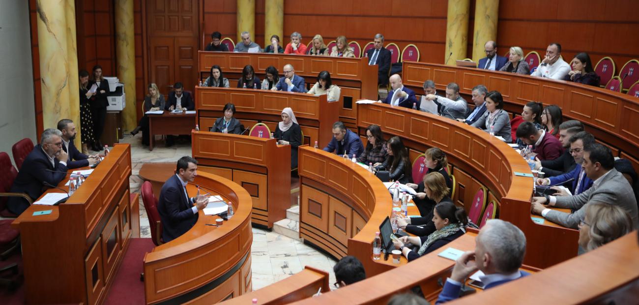 Dy anëtarë të Këshillit Bashkiak Tiranë japin dorëheqjen