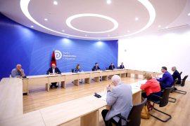 Basha me Dhomën e Tregtisë: PD do të mbështesë projekte madhore ekonomike