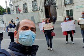 Foto lajm/ Në Vjenë protestohet kundër shembjes së Teatrit Kombëtar