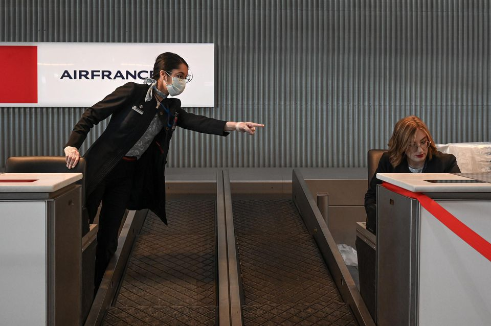 Bashkimi Europian publikon udhëzimet për sigurinë në udhëtimet ajrore
