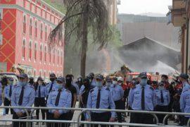Më shumë se 1 mijë policë rrethojnë teatrin, në 16:30 nis protesta