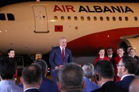Qeveria dhe opozita shkëmbejnë replika për udhëtimin e Ramës në Paris