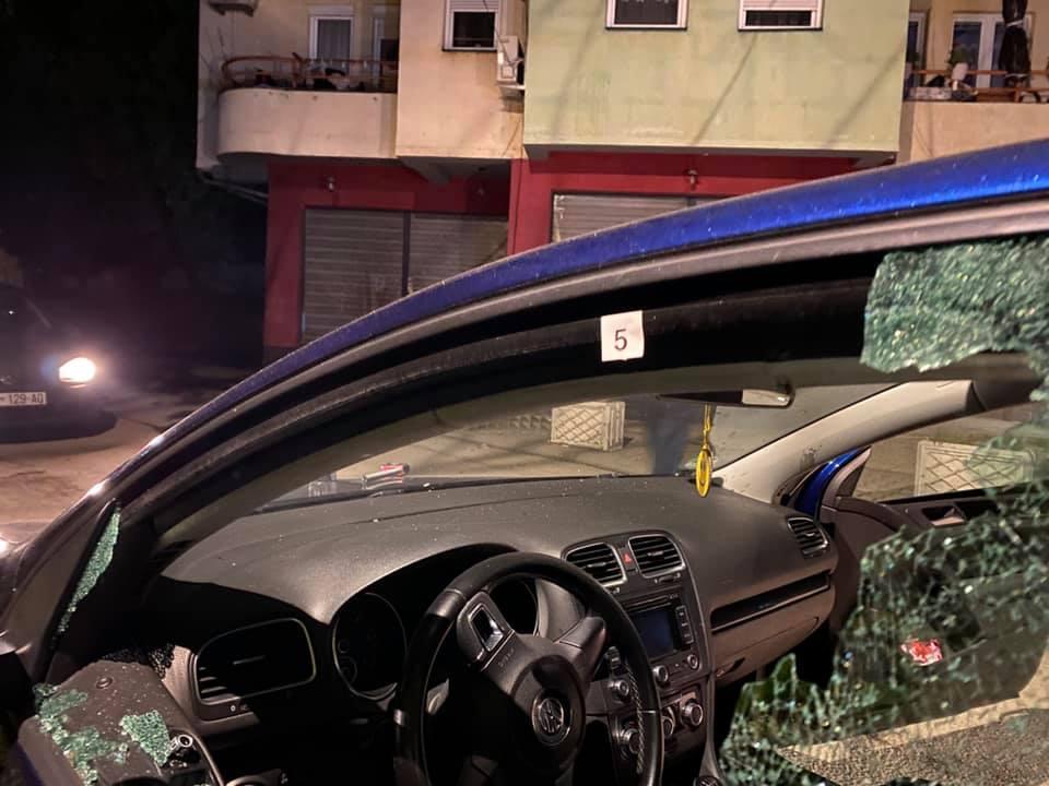 Makina e gazetarit kosovar Shkumbin Kajtazi sulmohet me armë