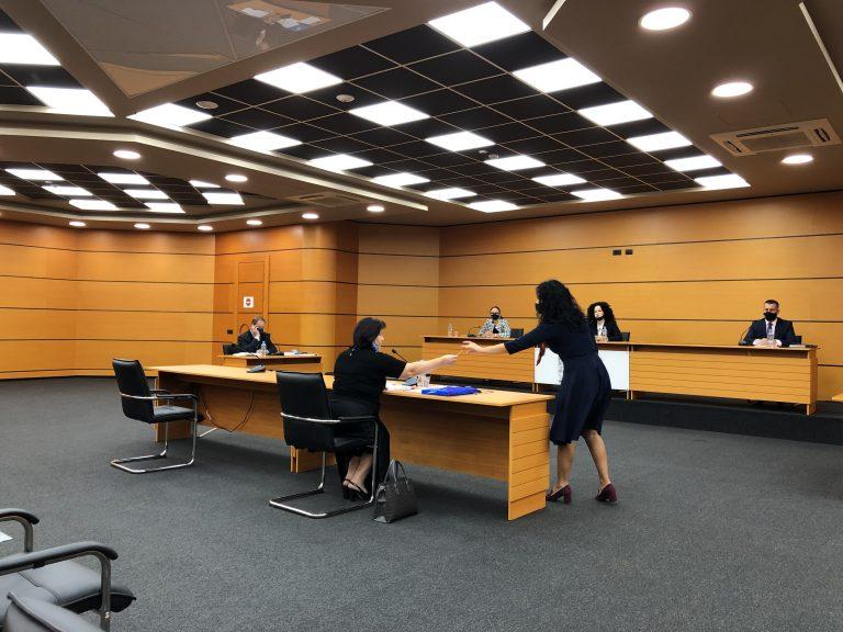 Kalon vetingun gjyqtarja që rrëzoi akuzat ndaj Tahirit