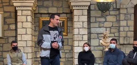 Veliaj vazhdon akuzat ndaj Bashës: I ka marrë shtëpi sipërmarrësit Papuli përmes shantazhit