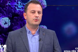 Pneumologu Arben Tanka: Shqipëria përdor të njëjtën kurë antiCovid si 98% e spitaleve në botë